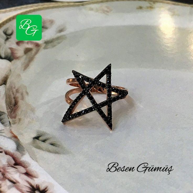 Rose Oniks Yıldız Gümüş Yüzük  Fiyat : 69.00 TL  SİPARİŞ için www.besengumus.com www.besensilver.com  İLETİŞİM için Whatsapp : 0 544 641 89 77 Mağaza     : 0 262 331 01 70  Yüzük Özellikleri  Maden : 925 Ayar Gümüş  Taş : Oniks   Kaplama : Rose ve Siyah Rodaj   Besen Gümüş  #besen #gümüş #takı #yıldızyüzük #rose #iştebenimstilim #kadınyüzük #izmit #kocaeli #istanbul#kasımpaşa #izmitçarşı #ankara #tasarım #antalya #izmir #alışveriş #instagram #tbt #türkiye #turkey #instaphoto #instalook…