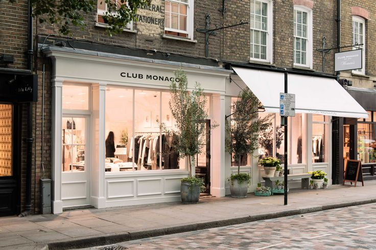Newly opened Monmouth storefront. #CMLondon