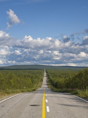 Arctic Road toward Kilpisjärvi, Lapland. Mä alan aina itkemään matkalla, tässä on sellainen tunne kuin menisi kotiin.