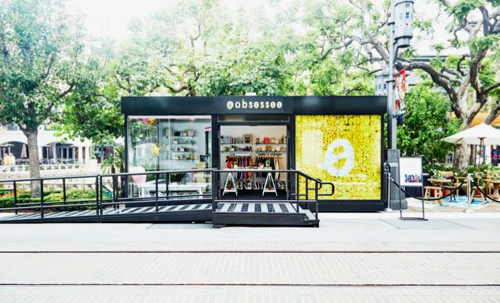 Why pop-up stores are all the rage.