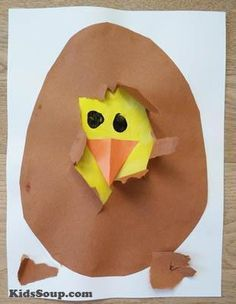 Children will love to help the chick hatch from the egg with this simple chick hatching activity and craft ( inspitation for this craft came from here).