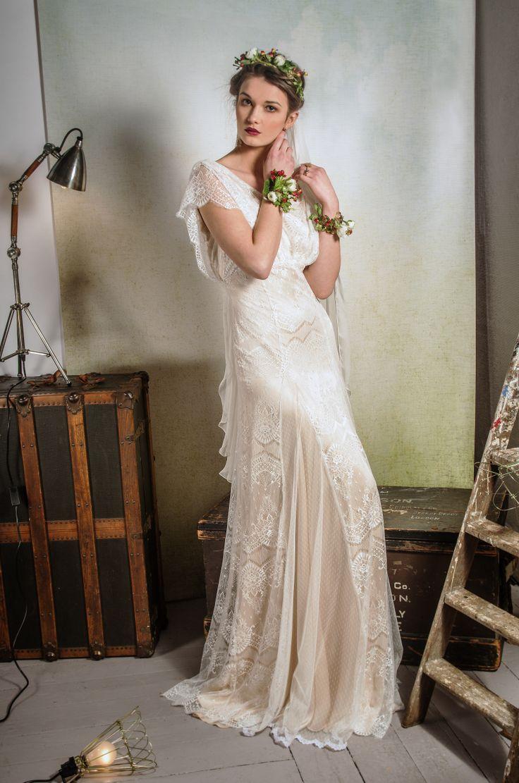 c8a27de8f19a820951382817d655b3bf - Modern Silk Wedding Dress