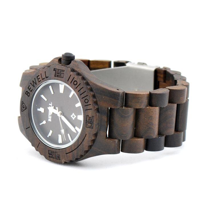 Ons houten horloge Chitwan heeft een hele natuurlijke look. Het gebruik van black sandle hout in alle elementen van dit horloge zorgen hiervoor. Naast de looks wordt dit horloge ook gekenmerkt door comfort, vanwege het geringe gewicht en de perfecte afwerking. www.looyenwood.nl/product/houten-horloge-chitwan/