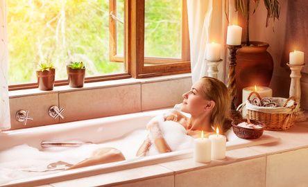 Dopo un #lunedì di lavoro, cosa c'è di meglio che concedersi un bagno caldo, magari con una musica rilassante in sottofondo? Ecco il potere della #musicoterapia! #benessere #wellness
