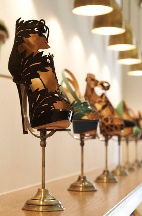 Hello lovelies... Shoes on pedestals