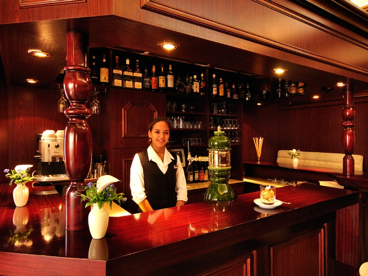 Ob in unserem Restaurant, an der Bar oder im Sommer auch gerne in unseren liebevoll begrünten Innenhof – lassen sie sich auch kulinarisch von uns verwöhnen.