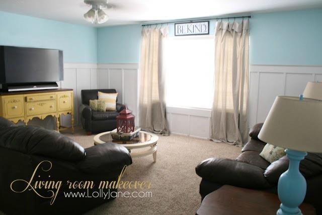 Living room. Yellow & aqua!