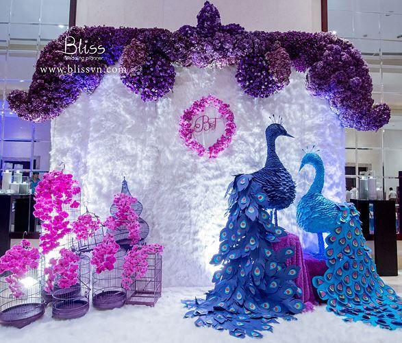 Trang trí tiệc cưới ấn tượng với backdrop sáng tạo
