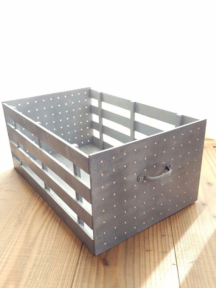 100円ショップにあるパンチングボードが海外のサイトで見た鉄板のBOXの前面に似ていると思い、カットせずに組み立てるだけで出来るシンデレラフィットの仲間をセリアで見つけて作ってみました!