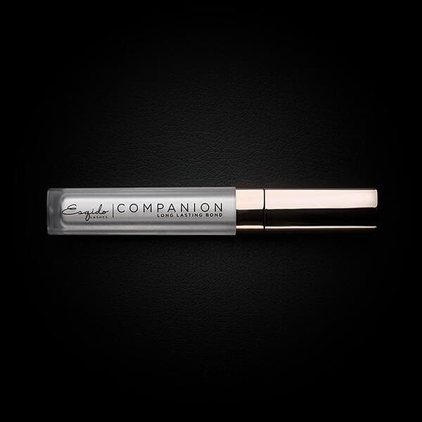 The weekend is here, but our bestselling Companion Eyelash Glue is #nevernotworking 💪🏽 .