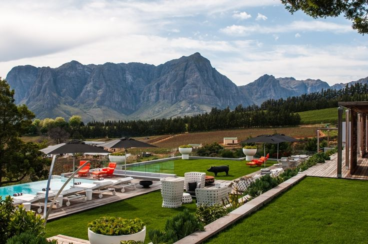 This private estate is ideal for intimate weddings and functions, with its own accommodation and wines.