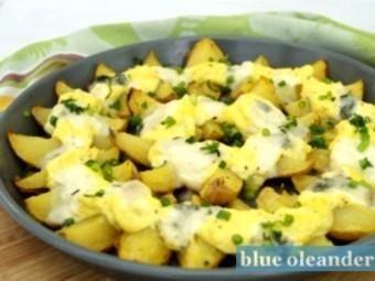 Baked potatoes with gorgonzola
