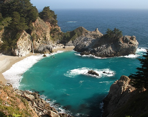 Mcway falls beach in Julia Pfeiffer Burns State Park, Big Sur, California