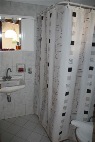 Dimitra Studios Bathroom