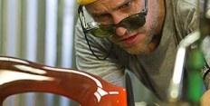 Ever wanted to know a glass sculptor and designer.  Meet #BenardKatz  follow him on twitter @BKatzGlass too
