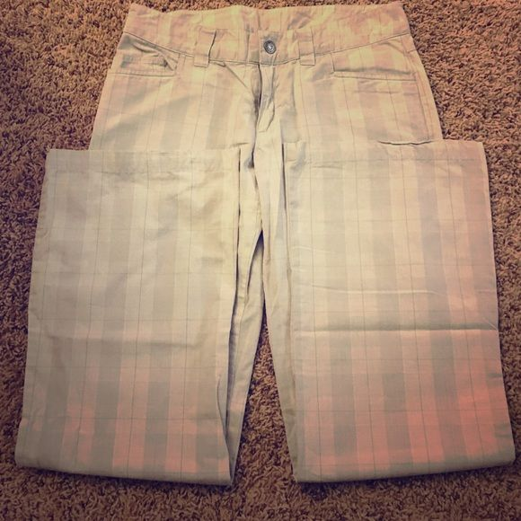 """Patagonia pants Gray patterned pants from Patagonia. Size 6. 33"""" inseam. Offers accepted. Patagonia Pants"""