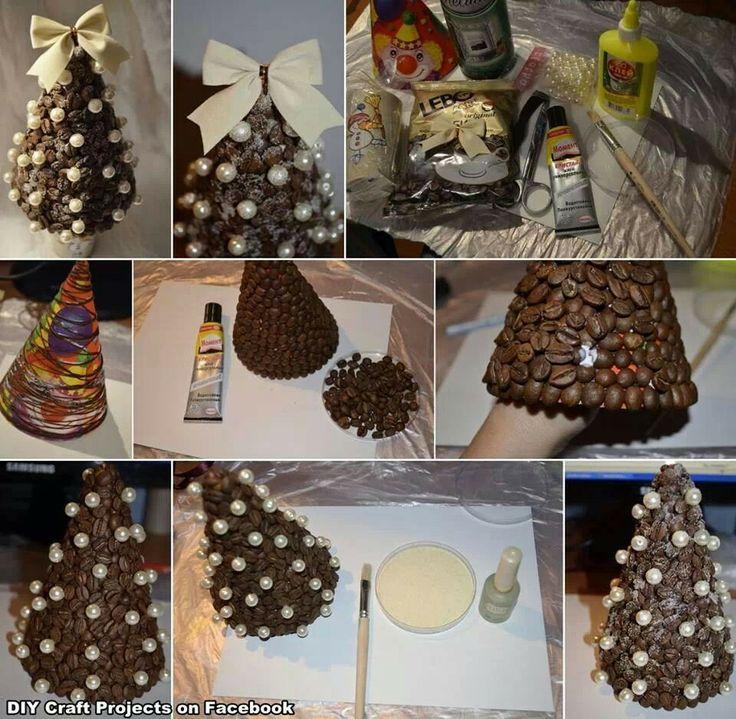 Diy christmas tree Kerstboom van een feesthoedje met koffiebonen, parels, glitters en een strik #DIY #Kerst