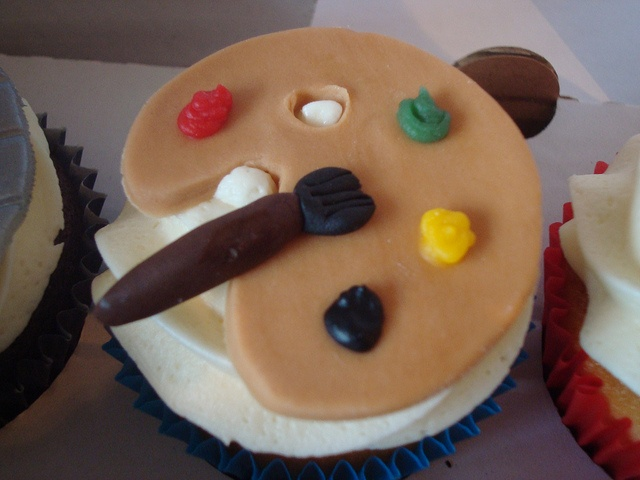 Artist Palette Cake Ideas : 1000+ images about Cupcakes: MUSIC, MOVIES, ART on ...