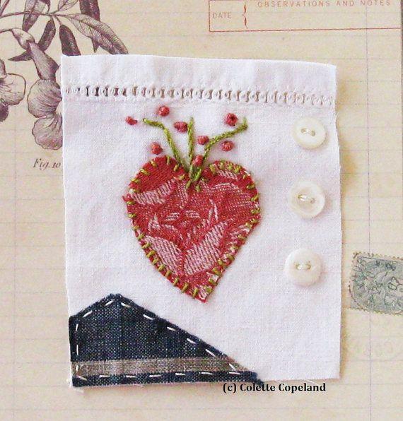 Текстильное искусство, миниатюрная одеяло, с вышивкой, с красным сердцем, старинные ткани