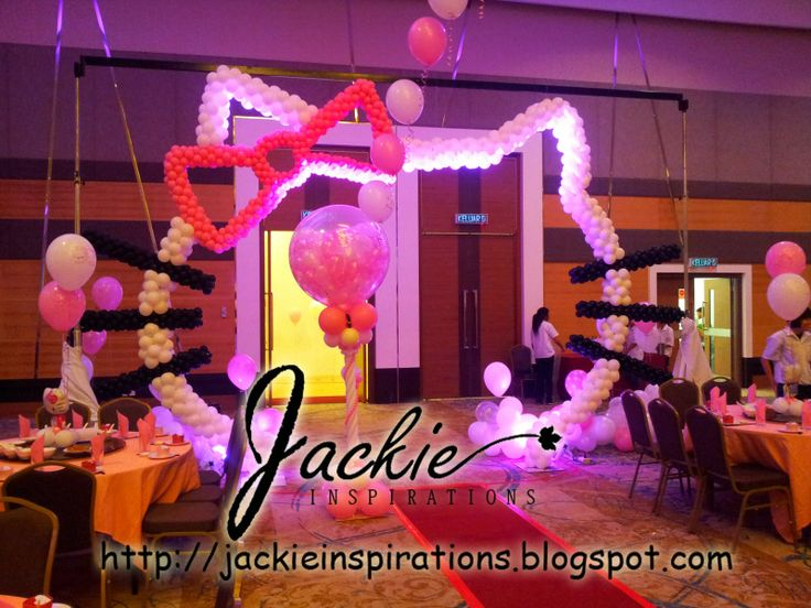 Balloon decorations for weddings birthday parties balloon sculptures in kuching and sibu for Decoration hello kitty chambre