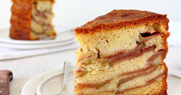 Oma's appelcake. Ik had hier graag willen schrijven dat mijn oma vroeger regelmatig appelcake bakte, en dat we dan gezellig met de hele f...