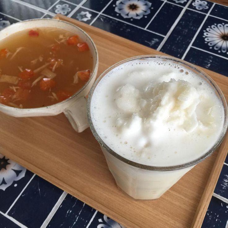 今日の朝ごはん プロテインと氷をガー シャーベット風になった #インスタントスープ #糖質制限 #lowcarb #lowsugar #keto #朝ご飯 #breakfast #proteinshake #Sorbet