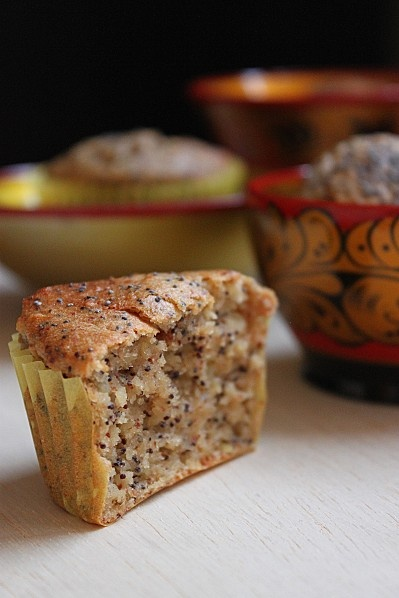 Muffins végétaliens aux graines de pavot et pommes, au tofu soyeux