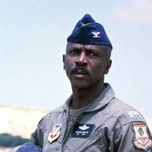 Louis Gossett Jr Officer and a Gentleman | Gossett Jr in Iron Eagle vs. Louis Gossett Jr Officer and a Gentleman ...