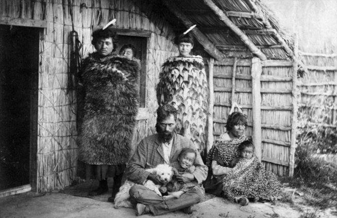 Unidentified Maori group