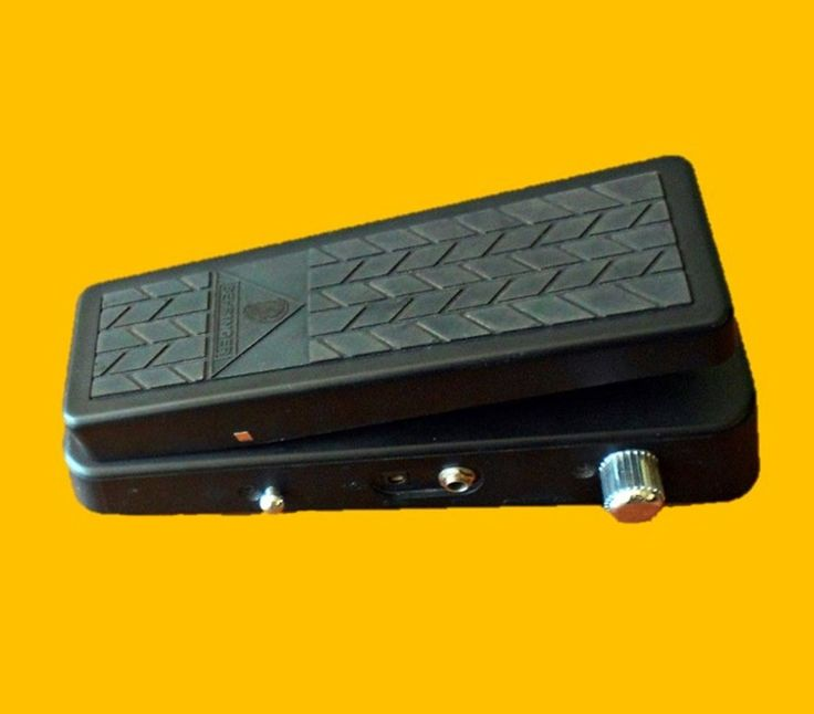 Pedal Wha-Wha Beringher HELLBABE HB01
