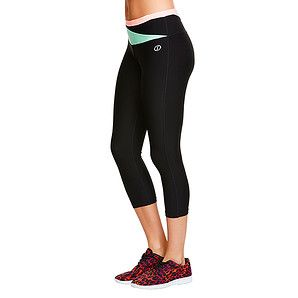 Perfect for both low and high impact exercise, these 3/4 Leggings will have you hitting the pavement or doing floor exercises in your pilates class....