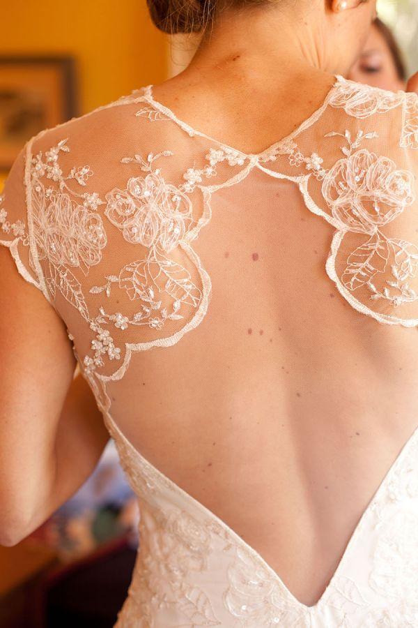 dalicate Claire Pettibone wedding dress back | Photography: Sonya Yruel