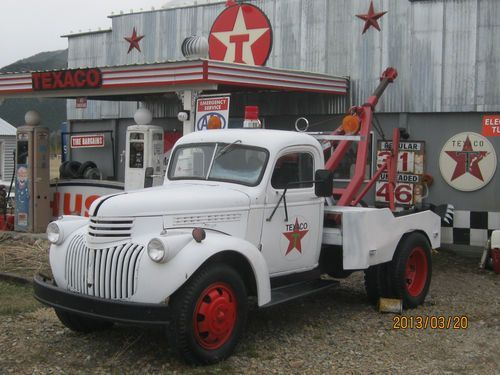 1946 Chevy 1 1/2 ton tow truck
