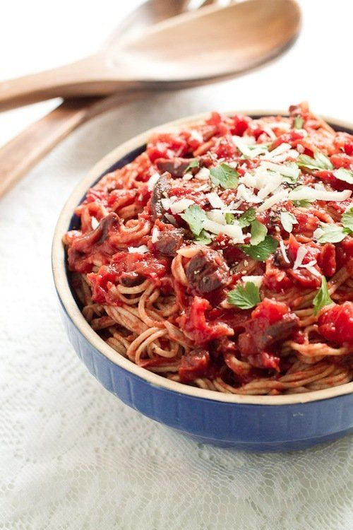 Pasta Puttanesca..deep resounding yum ;-)