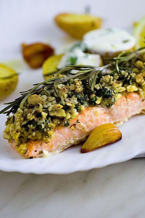 Lachs mit Parmesan-Kräuter-Walnuss-Kruste, ein tolles Rezept aus der Kategorie Braten. Bewertungen: 133. Durchschnitt: Ø 4,6.