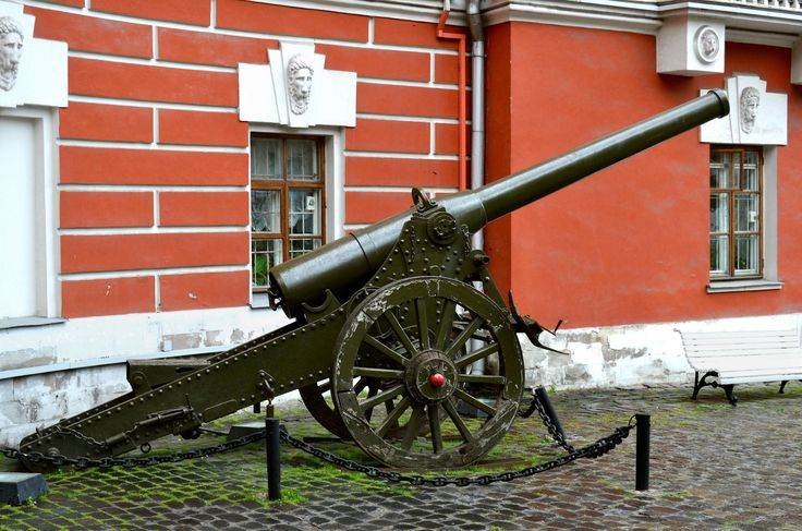A de Bange 155 mm long cannon modèle 1877 exhibited before the Central Museum of the Contemporary History of Russia in Moscow (the former Central Museum of the Revolution). Photo by Dmitry Ivanov. 2014. #artillery, #cannon, #Moscow, #museum, #RedArmy