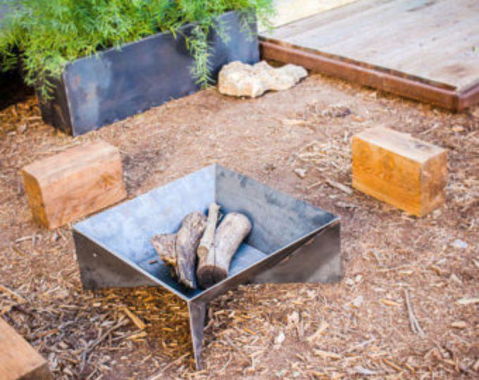 How To Start A Fire In A Fire Pit In 2020 Metal Fire Pit Diy Metal Fire Pit Fire Pit Essentials