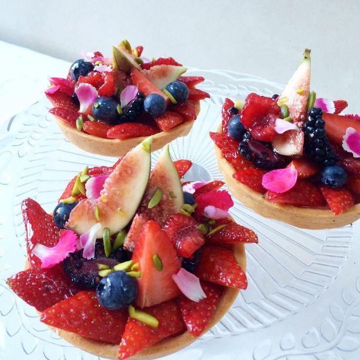 Fruit custard tarts  Sunday at the bakery #ColumbiaRoad