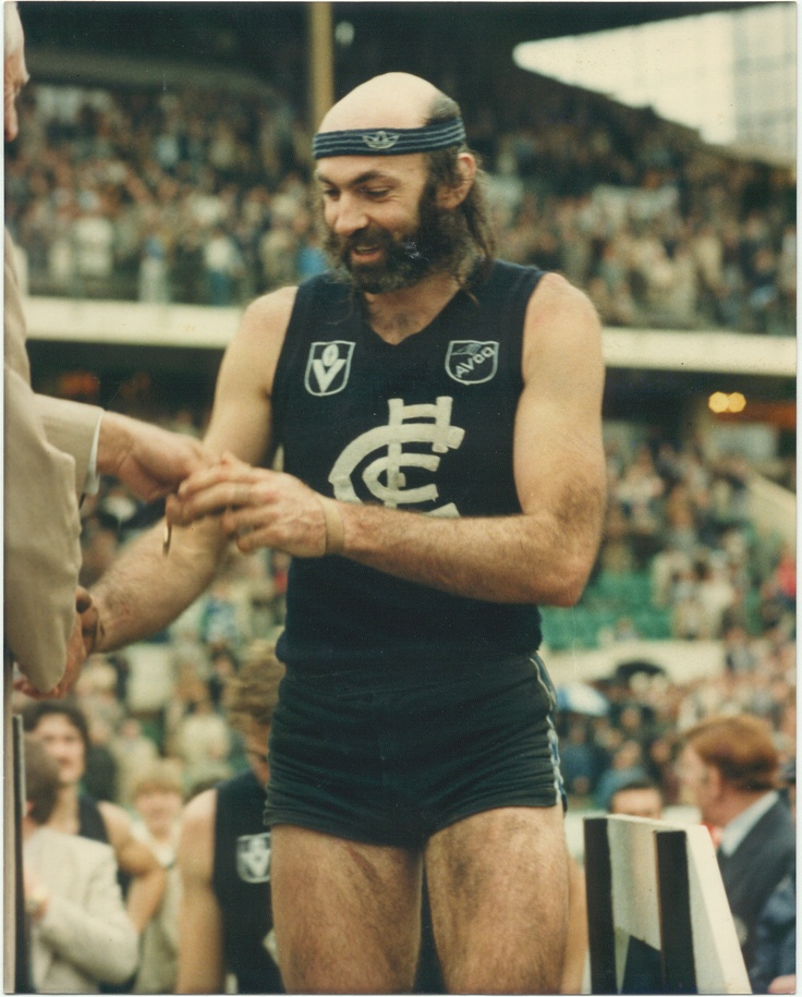 Bruce Doull: 1969 - 1986. 356 games, 22 goals.