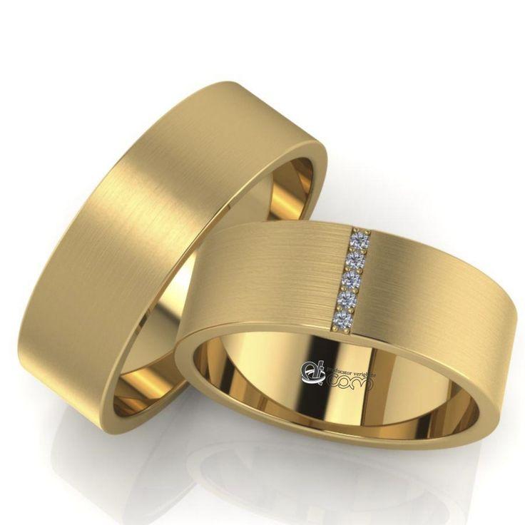 Designul acestei perechi se distinge prin santuletul orizontal incrustat cu cinci pietricele de zirconiu sau diamant si prin finisajele speciale de tip mat satin rola.
