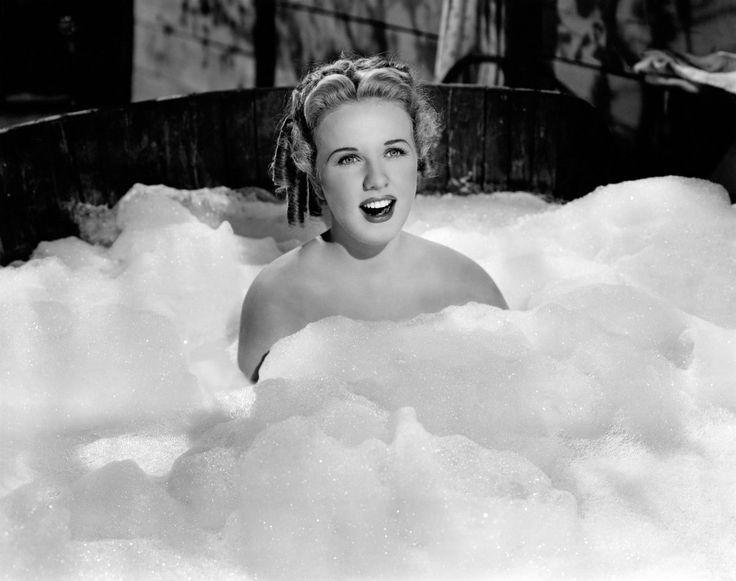 1940s Deanna Durbin