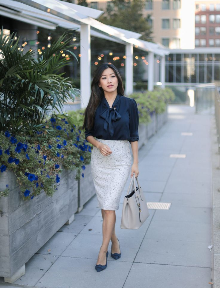 aadbd1c170 Navy Bows 2 Ways + Postpartum Band Review | Work Outfit Ideas ...
