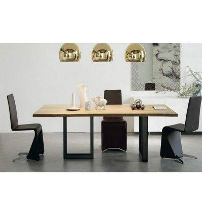 Table Bois/Acier TENDANCE A 01 - 200*90*75 cm. Des lignes asymétriques pour cette #table au #design #industriel et aux dimensions généreuses. La conjugaison parfaite du bois de frêne et d'acier ne manquera pas de vous séduire.