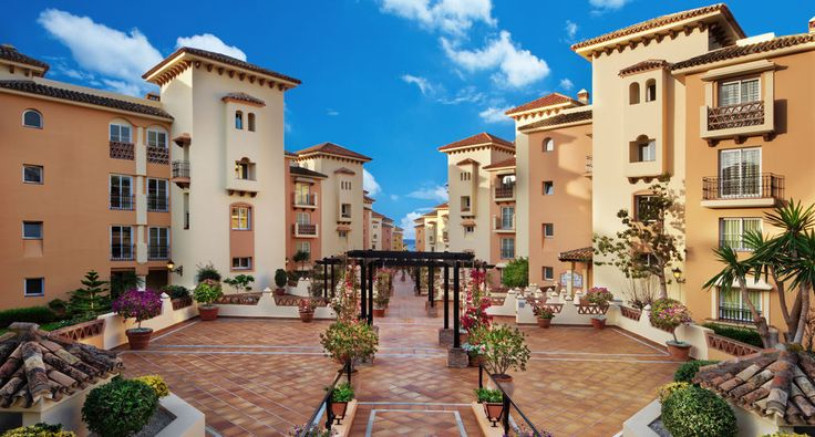 Join us at Marriott's Marbella Beach Resort for a memorable visit to Spain. You'll love our spacious apartments and our selection of luxury perks.