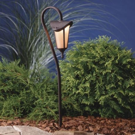 outdoor decorating ideas should include walkway lighting that are beautiful