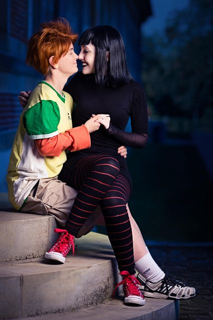"Jonathan ""Johnny"" Loughran  &  Mavis pinned from http://animexx-en.onlinewelten.com/cosplay/590894/15067746/"