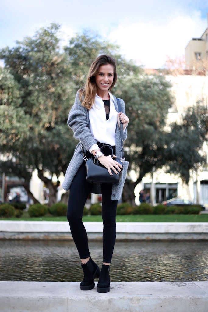 Chaqueta/jacket: &Other Stories. Camisa/shirt: Minimum. Top: Oysho. Jeans: Topshop. Botines/booties: Victoria by Xtrem Arevalo. Bolso/bag: Givenchy. Reloj/watch: Fossil. Anillo/ring: Ararat. Gorro/bonnet: &Other Stories.