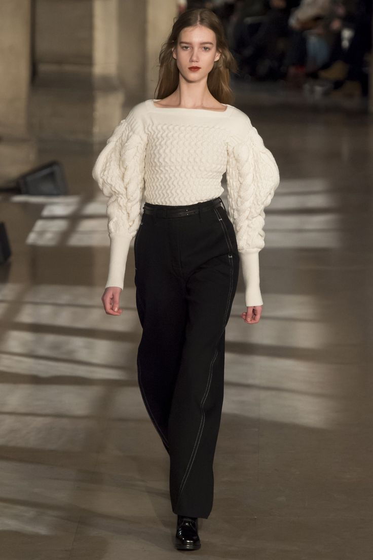 Lemaire Fall 2016 Ready-to-Wear Fashion Show  http://www.theclosetfeminist.ca/  http://www.vogue.com/fashion-shows/fall-2016-ready-to-wear/christophe-lemaire/slideshow/collection#21