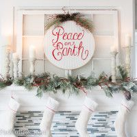 Christmas Mantel Decor!