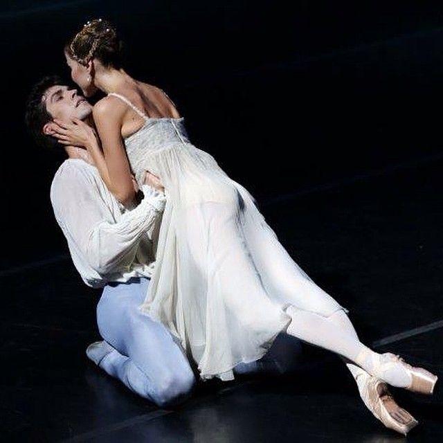 #RobertoBolle Roberto Bolle: Live your passion. ❤️ Every day #romeo #romeoandjuliet #teatroallascala @alina2217
